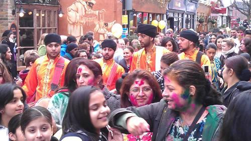 Hindu festival brings colour to Twickenham