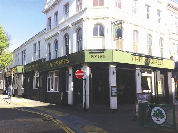 PubSpy: The Grapes, Sutton