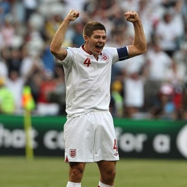 Steven Gerrard has hailed England's commitment
